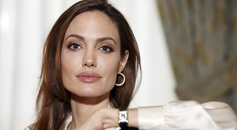 Features_Angelina_Jolie